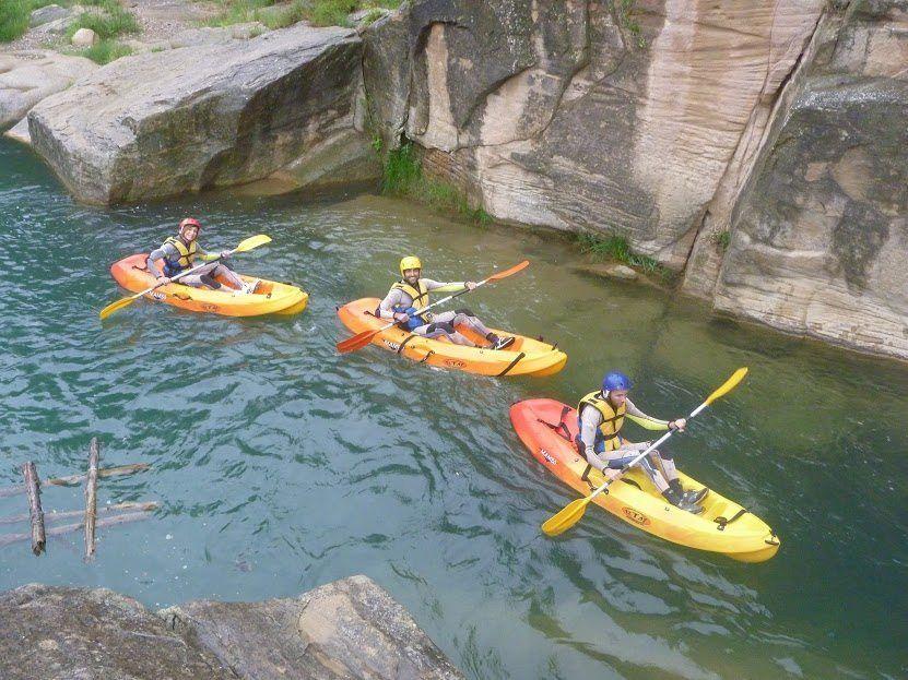 Piragua en rio Cabriel