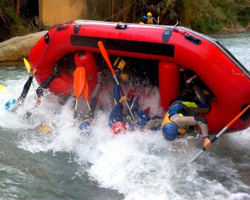 Rafting Montanejos, vuelco en la lupinera 1