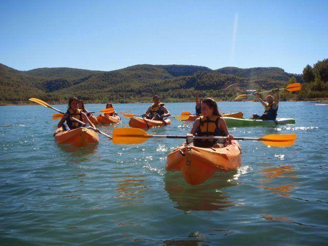 Kayak Valencia paseo por el embalse de Montanejos