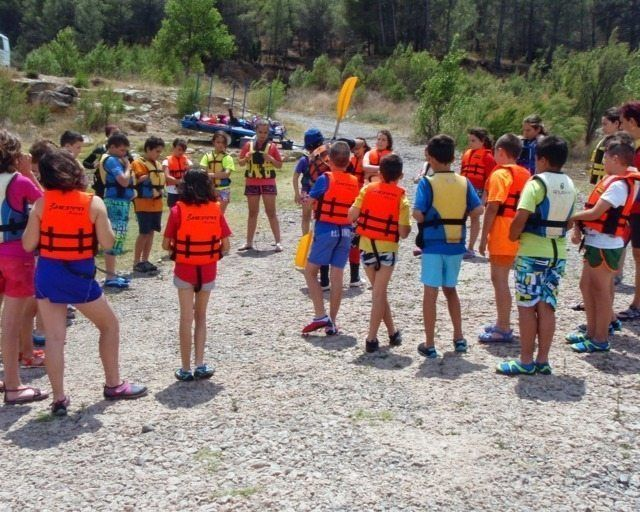 Kayak in the dam 15 with Somos Aventura in Castellón