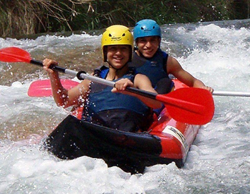 kayak-en-aguas-bravas