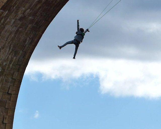 Bungee jumping albentosa